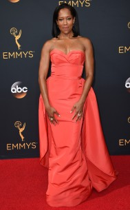 rs_634x1024-160918160525-634-regina-king-emmy-awards-2016