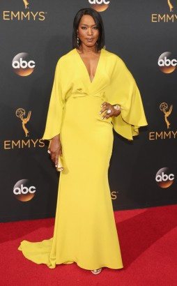 rs_634x1024-160918160903-634-angela-bassett-emmy-awards-2016