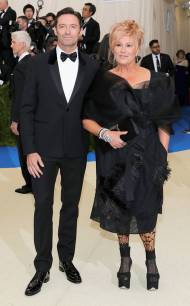 rs_634x1024-170501164504-634.Hugh-Jackman-Deborra-Lee-Furness-Met-Gala-New-York.kg.050117