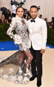 rs_634x1024-170501175738-634.John-Legend-Chrissy-Teigen-Met-Gala-New-York.kg.050117